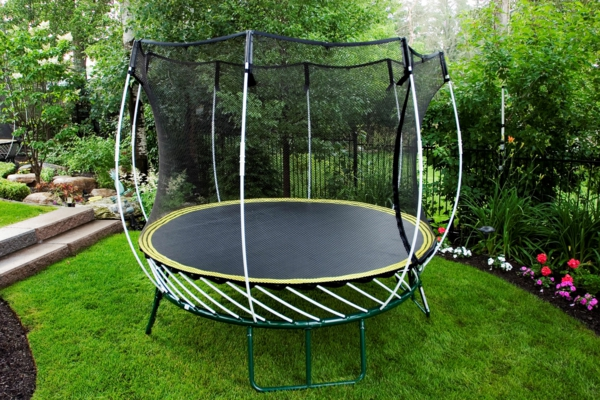 trampoline-backyard-fun
