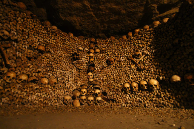 paris-catacombs-bones
