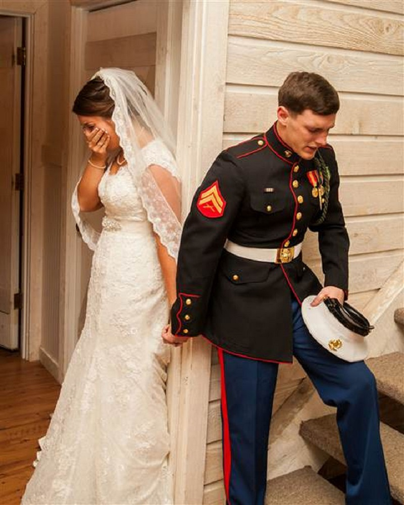 Corporal Caleb Earwood Wanted To Share A Moment Of Prayer With His Future Wife It Was Dedicated Their Marriage Since According European And American